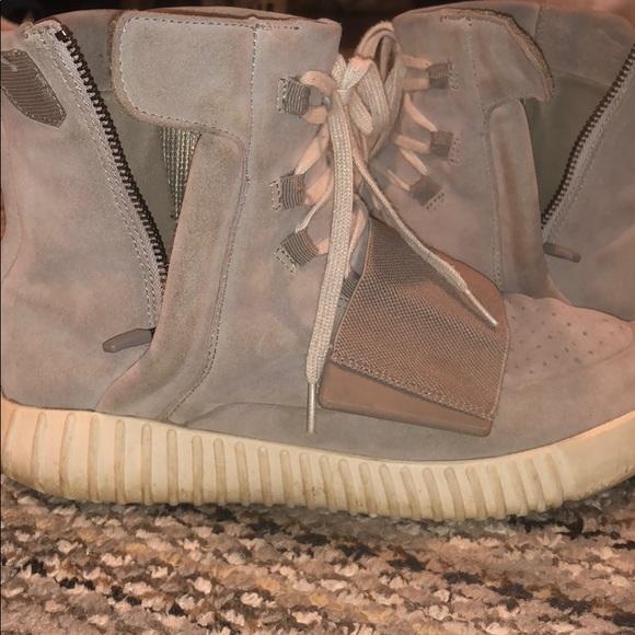7ad94179e99ef Yeezy 750 Og light gray